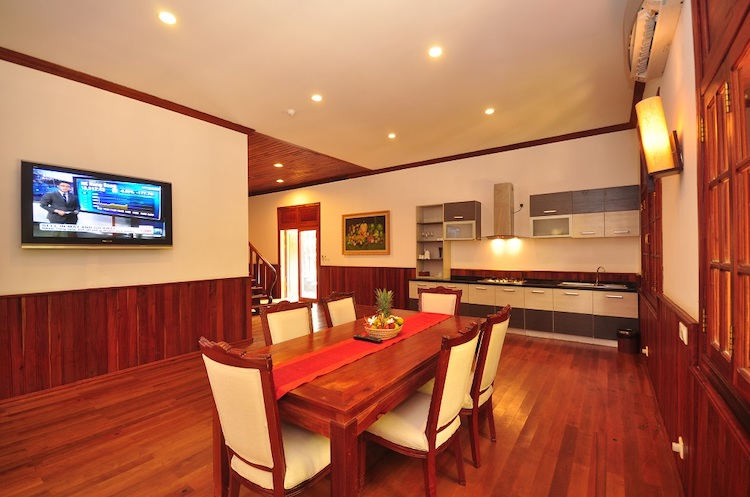 Executive Villa - Dining Room