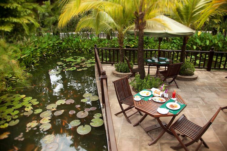 Green-Restaurant